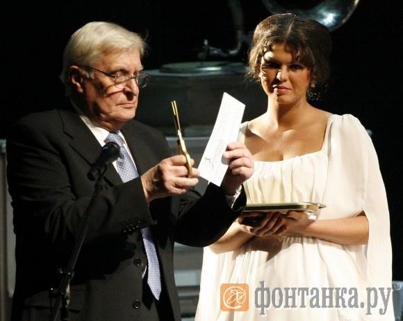 Олег Басилашвили вскрывал конверты с именами призеров с чеховской дотошностью