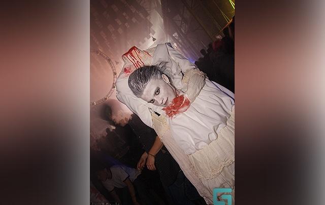 Горячие медсестрички, черти и человек без головы: как тюменцы наряжались на Хеллоуин в двухтысячных