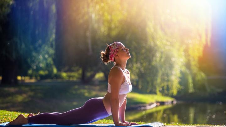 Асаны, медитация и дыхательные техники: тюменцев приглашают отметить Международный день йоги