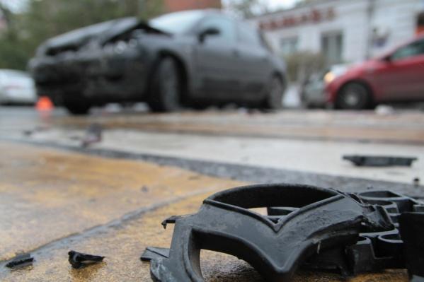 В ДТП машины получили механические повреждения