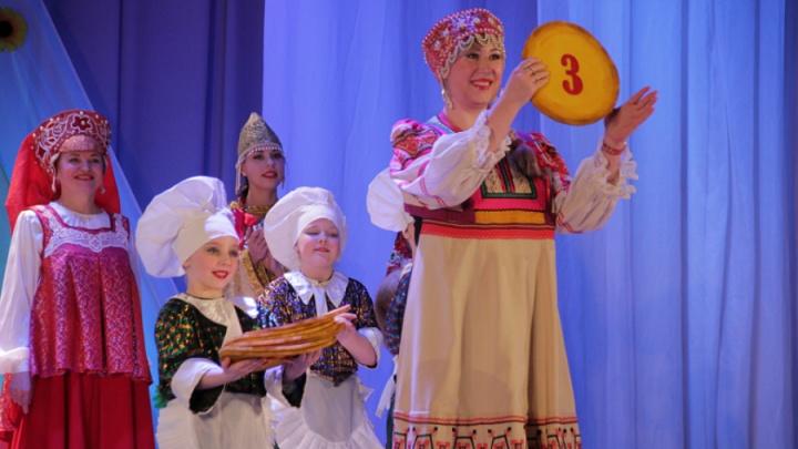 Сударыней Масленицей в Ярославле стала 28-летняя затейница