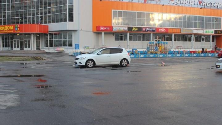 В Северодвинске дама на «Киа» сбила 23-летнюю девушку