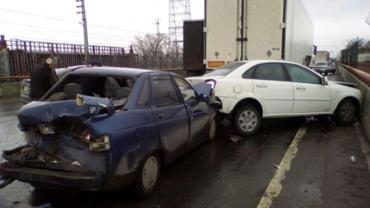 У КАМАЗа отказали тормоза: фото крупного ДТП на Жигулевской ГЭС