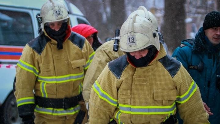 Получил ожоги и отравился дымом: в Таганроге при пожаре в частном доме пострадал мужчина