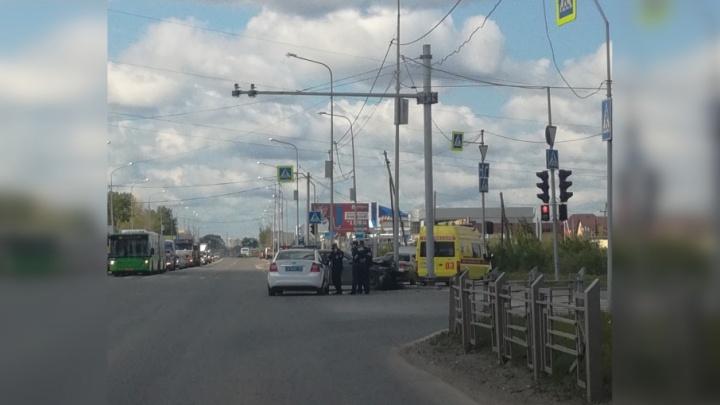 В ДТП на Щербакова двоих водителей травмировали подушки безопасности