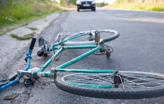 В центре Архангельска сбили велосипедиста