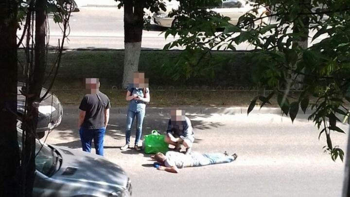 Житель Ростова попал под колеса Subaru и оказался в больнице
