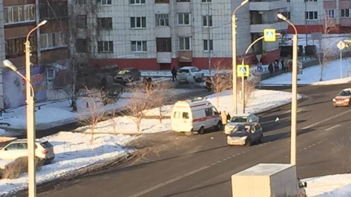 На улице Газовиков Skoda сбила пенсионерку