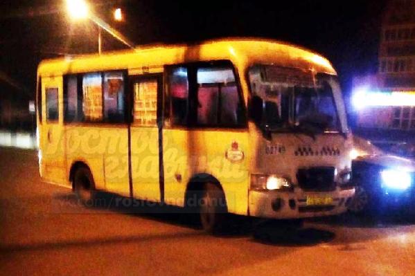Водитель маршрутки ехал наперегонки с другим микроавтобусом