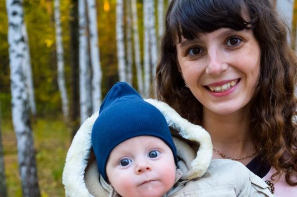 Евгения Сумар до декрета работала связистом, пока не повела маленького сына на плавание.