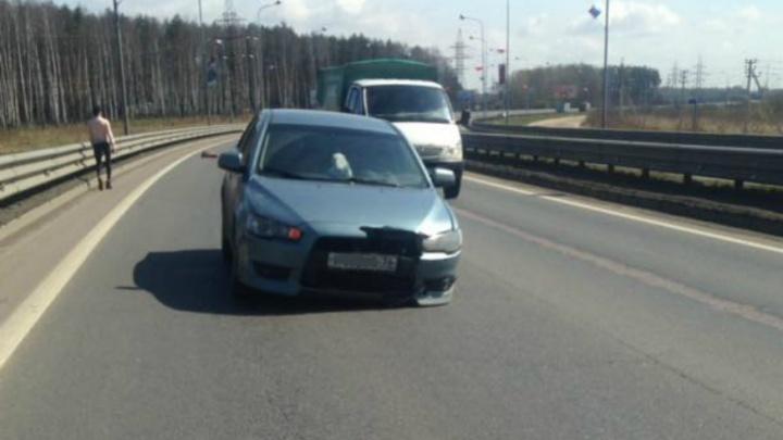 В Ярославле от «Мицубиси» на полном ходу отлетело колесо