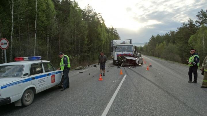 В столкновении МАЗа с Ford на трассе М-5 в Челябинской области погиб военный