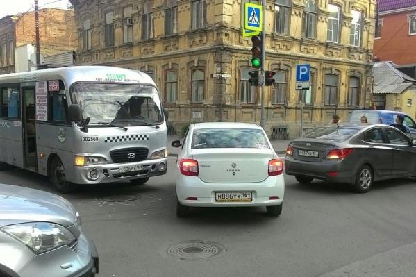 Авария спровоцировала пробку