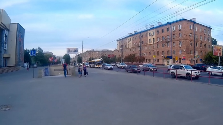 Остановку на ТЮЗе в Волгограде хотят сдвинуть на 70 метров
