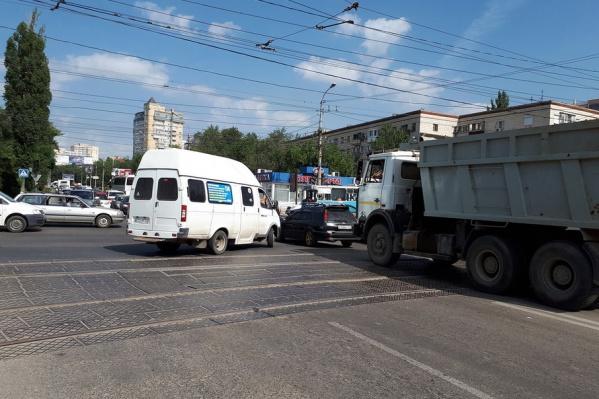 Отключение светофоров привело к транспортному коллапсу