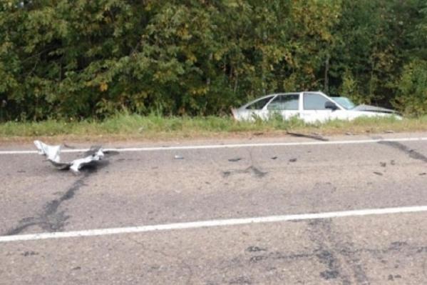 Трагическая случайность: водитель ВАЗа стал жертвой прицепа, который отъехал от КАМАЗА