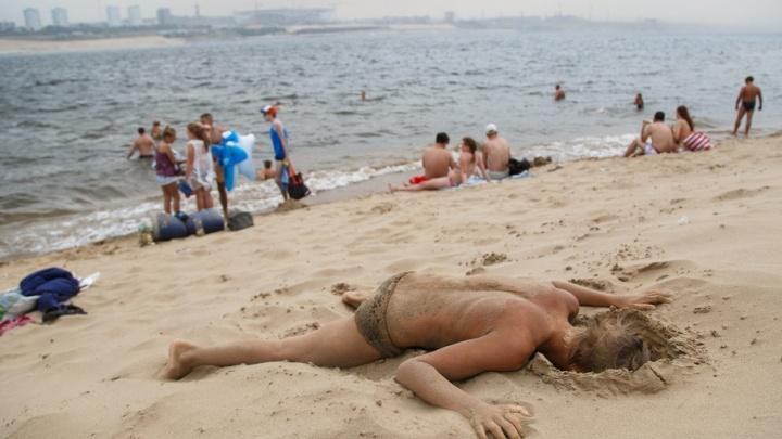 Краса и ужас пляжа на Бобрах: один день отдыха с волгоградцами