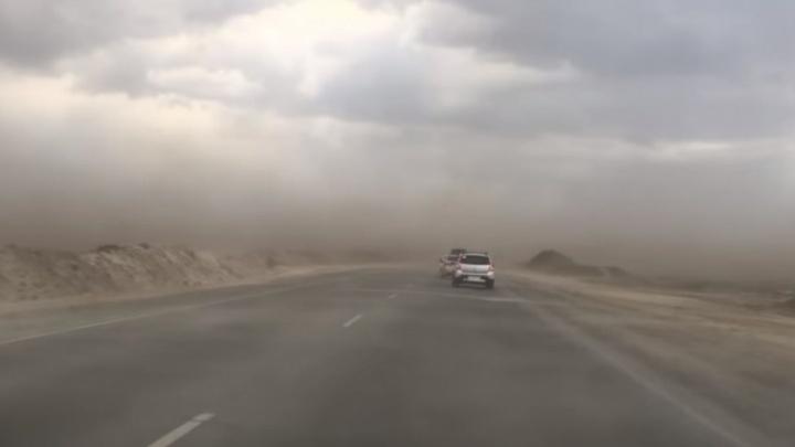 Видео с песчаной бурей в Тюмени за несколько часов набрало тысячи просмотров в интернете