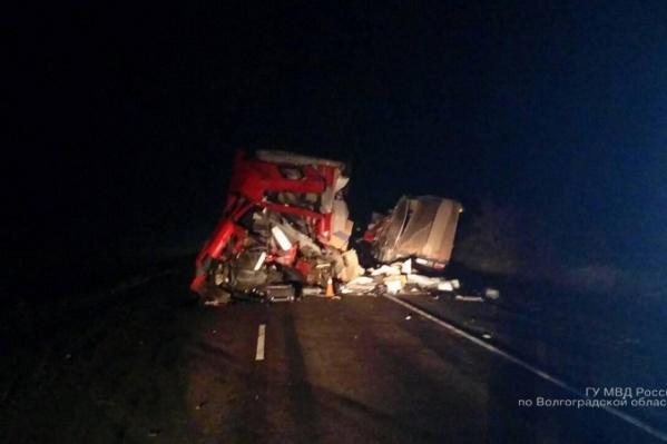 Не справившийся с управлением водитель умер по дороге в больницу