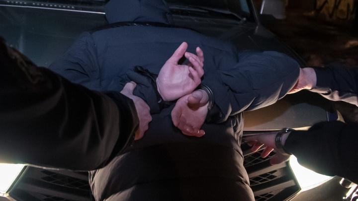 В Котласе сотрудники Росгвардии задержали водителя с липовым удостоверением