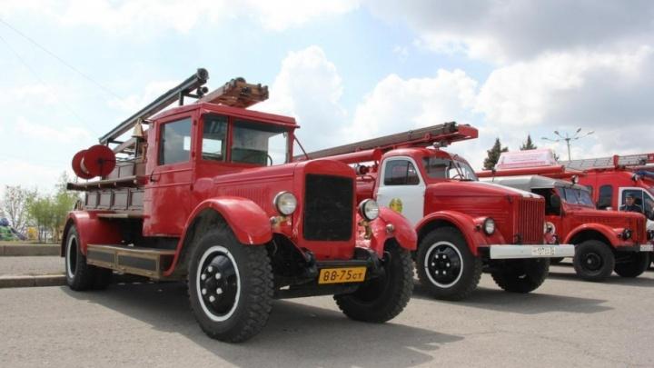 Волгоградцам покажут всю мощь пожарной техники