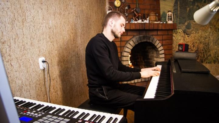 Утром вертолеты, вечером — трек для ST: как сотрудник «Роствертола» стал писать фортепианную музыку