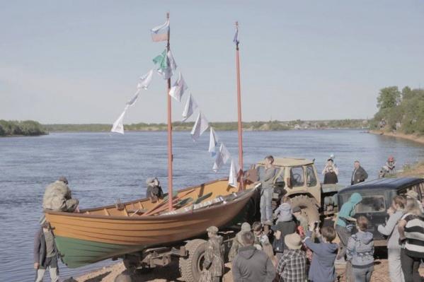 Яхтсмены, увлеченные морем практики, построили традиционное поморское судно — карбас