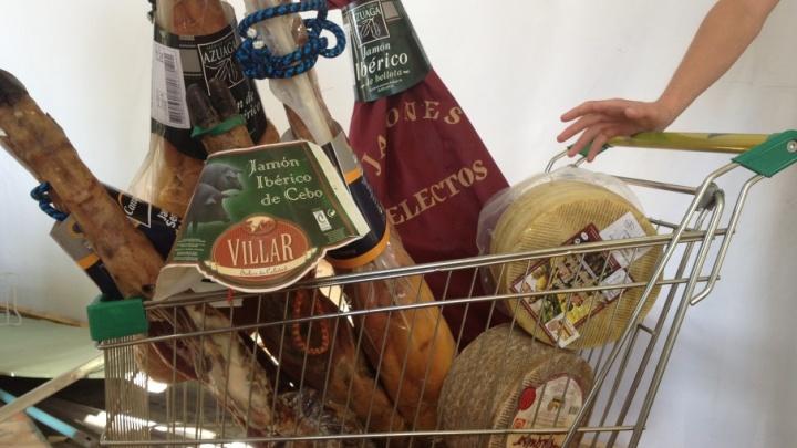 Копеечка за «санкционочку»: самарский «Гастроном» ответит рублем за продажу сыра и хамона из ЕС