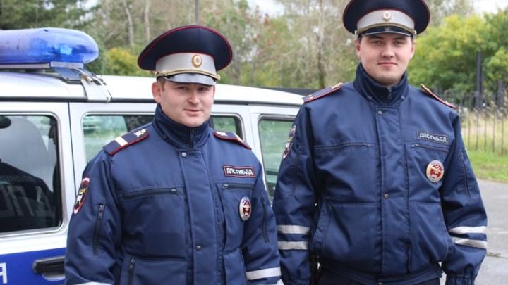 В Прикамье полицейские спасли на пожаре жителей дома