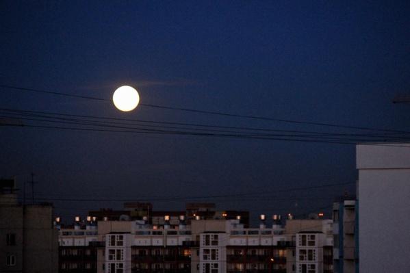 Луна приблизится к Земле на минимальное расстояние в этом году