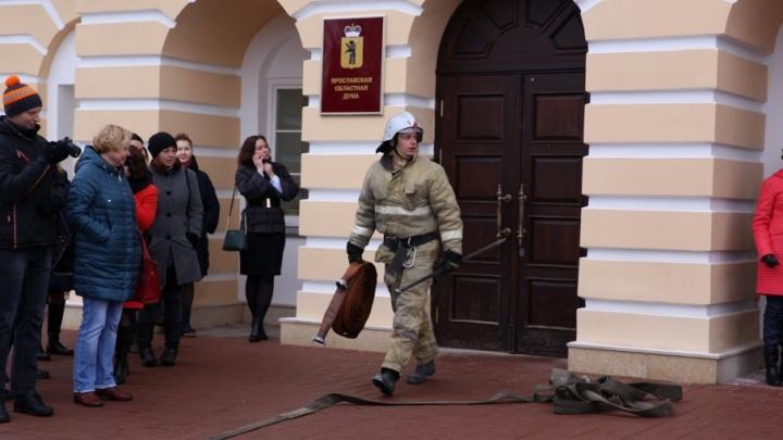 Напустили дыму: подробности эвакуации депутатов