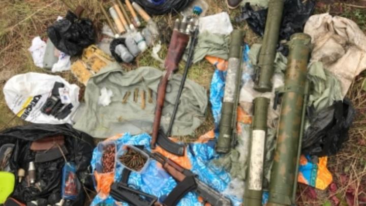 Промышляли убийством по найму: в Самаре отдали под суд мужчин, у которых нашли схрон оружия