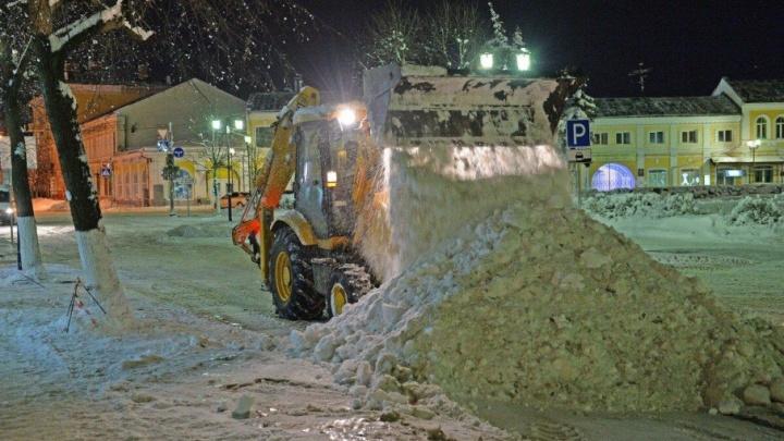 Мэр Ярославля предложил из убранного с дорог снега делать детские горки