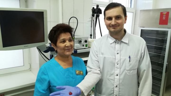 Тюменские врачи достали «сердце» из желудка двухлетнего малыша