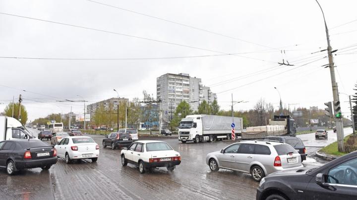 На самом аварийном перекрестке Ярославля поставят 14 светофоров