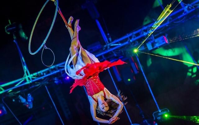 «Шар смелости», женщина-клоун, попугаи и бегемот: в Челябинске выступил «Цирк Юрия Никулина»