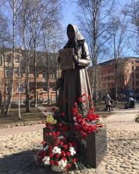 ГК «Титан» подарила Архангельску два памятника