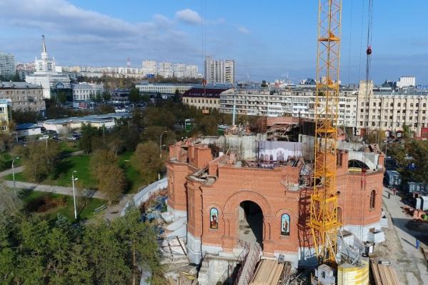 Внутри храм планируют сделать в светлых тонах, а стиль выбрали неовизантийский