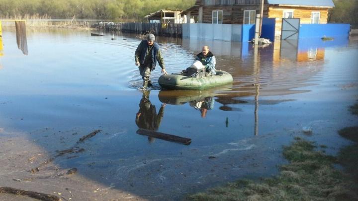 Уровень воды в реке Ишим уже 9 метров: началась эвакуация жителей
