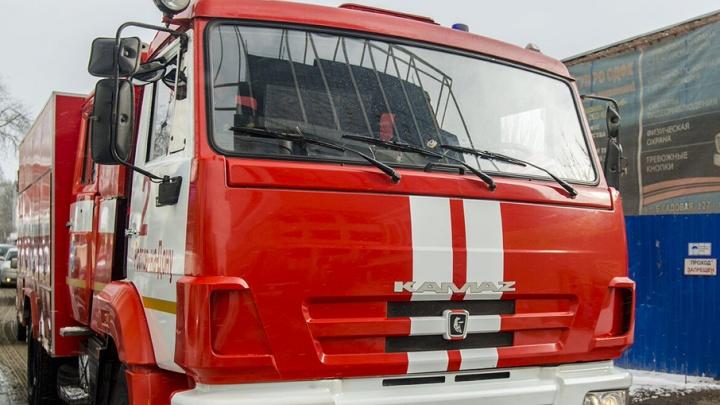 В Ростове дотла сгорела машина