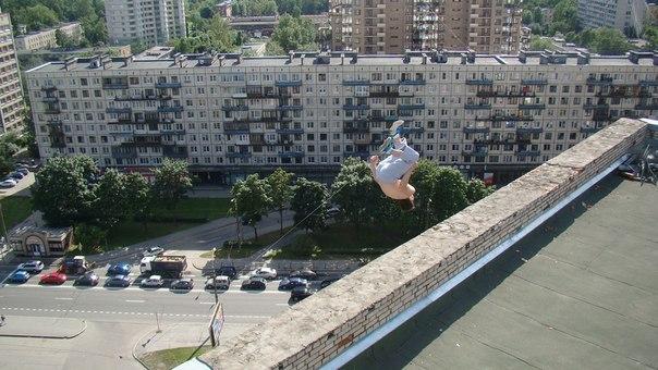 Последняя фотография Павла Кашина за секунду до падения