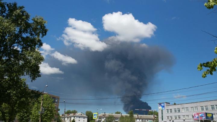 За крупный пожар на Промышленном проезде ответит рабочий склада