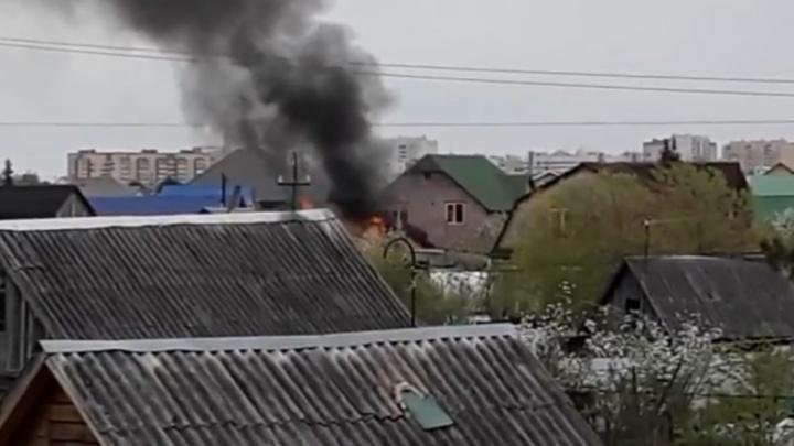 В Тюмени у одного из дачников под утро вспыхнула баня