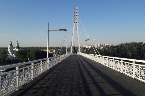 Разрисованные опоры, должны будут органично вписываться в новую концепцию оформления моста Влюбленных