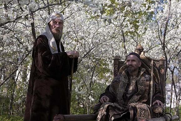 Олег Янковский - митрополит Филипп, Петр Мамонов - Иоанн Грозный