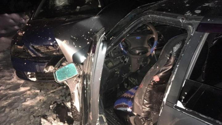 В Прикамье пьяный водитель на ВАЗе въехал в Skoda: пострадали шесть человек
