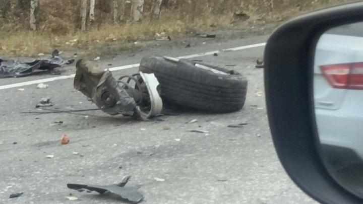 «Двигатель лежал на дороге»: в ДТП на трассе в Челябинской области погиб водитель