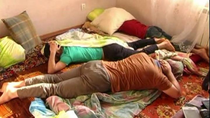 «Все лицом в пол!»: в Самаре прошла облава на «штаб-квартиру» террористов из Азии
