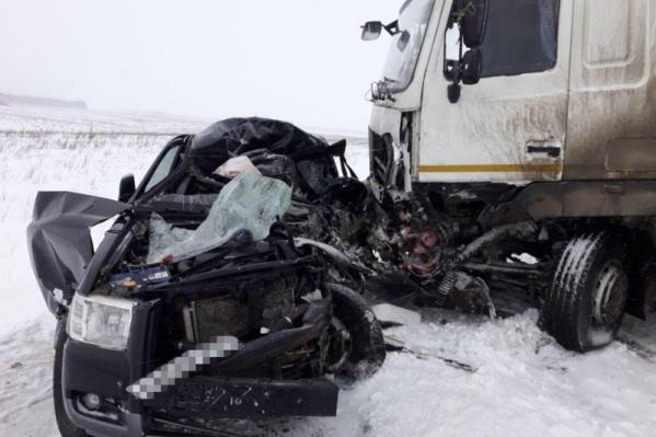 Водитель иномарки погиб на месте