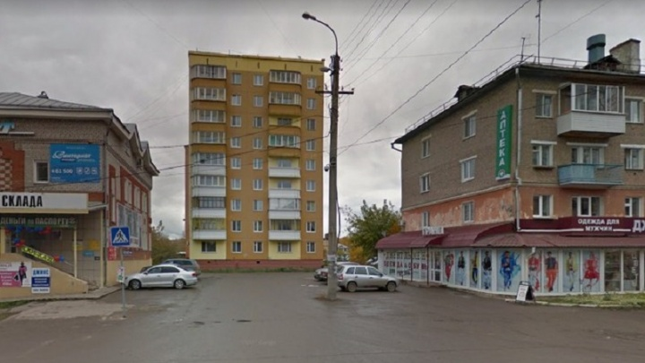 Семилетний тюменец упал с пятого этажа в Прикамье
